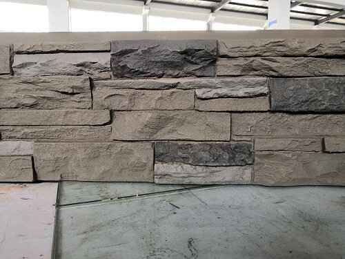 308 Arizona Trail detail Ledge Stone Panel